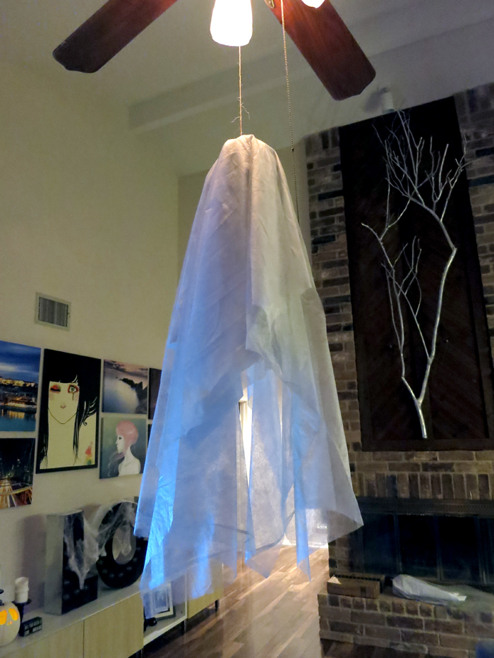 DIY Floating Ghosts - evanandkatelyn.com
