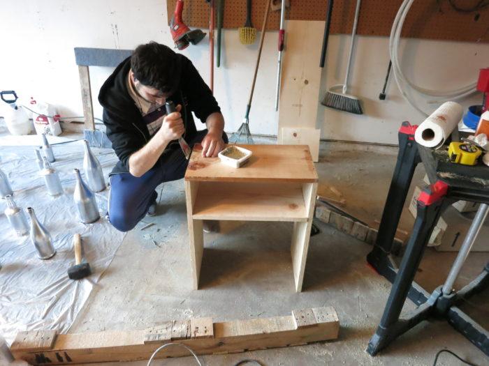 DIY simple side table - evanandkatelyn.com