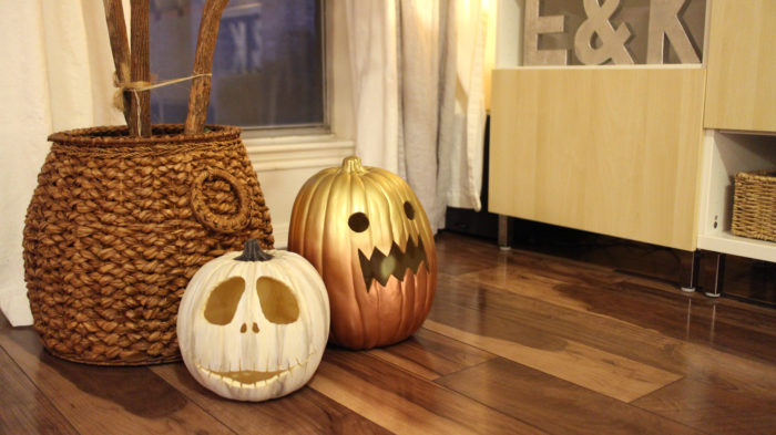 2016 Halloween Decor - evanandkatelyn.com