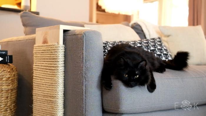 DIY Modern Cat Scratching Post - evanandkatelyn.com