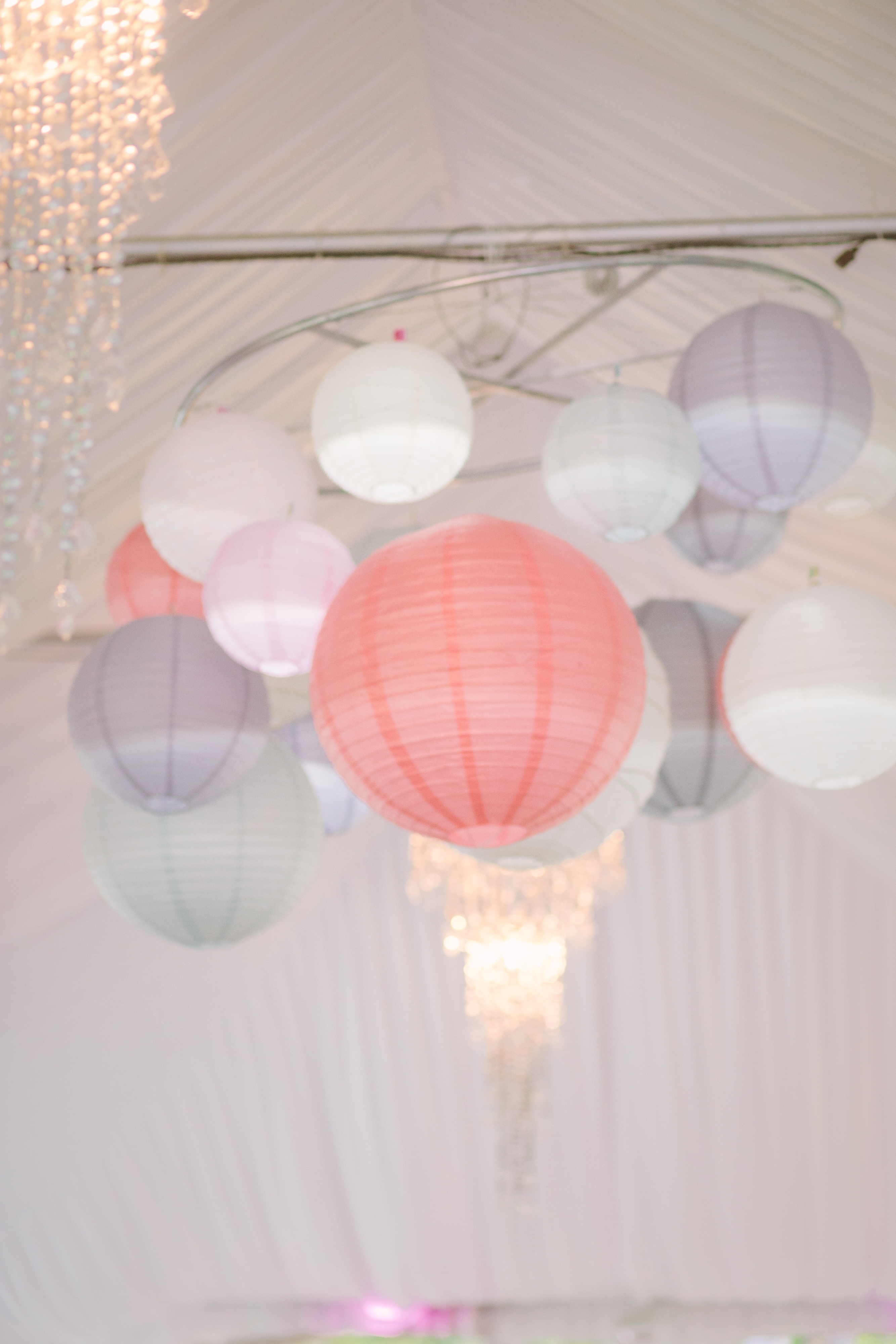 Diy Paper Lantern Chandelier Evan Katelyn Home Diy Tutorials